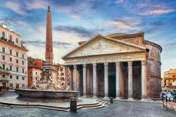 fountain in front of the Pantheon in Rome